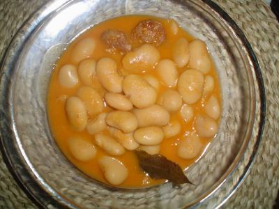 Habones de Sanabria con chorizo